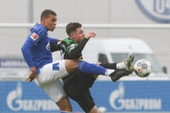 Testspiel FC Schalke 04 -  Preußen Münster 18.01.2020 Foto: S. Sanders  Malick Thiaw, Luca Schnellbacher (Münster)